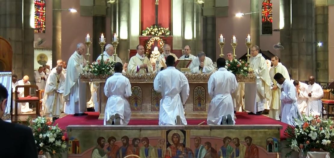 قداس السيامة الأسقفية في كاتدرائية القديس منصور دي بول بالعاصمة تونس