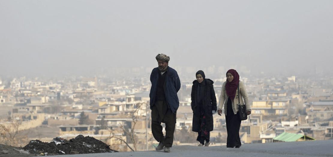 الأفغان يبدؤون يومهم وسط آمال بتطبيق هدنة في أعمال العنف تبدأ السبت