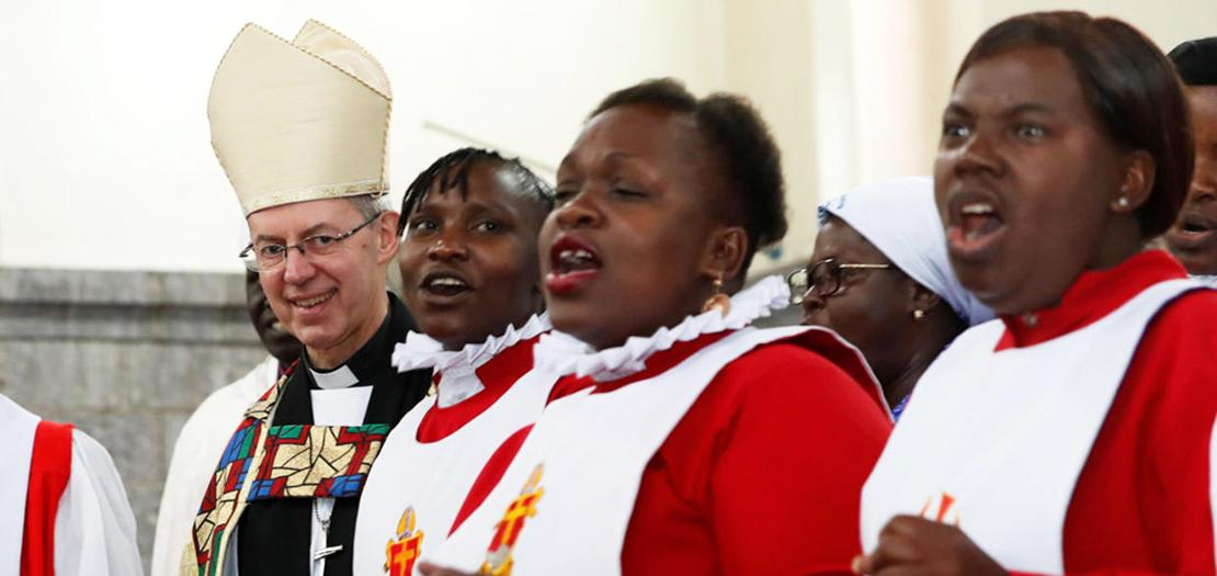 ويلبي خلال قداس أنغليكاني في نيروبي (رويترز)