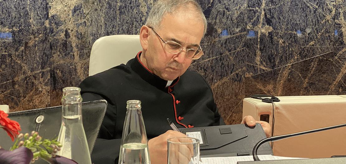 الأب الدكتور خالد عكشة خلال المؤتمر