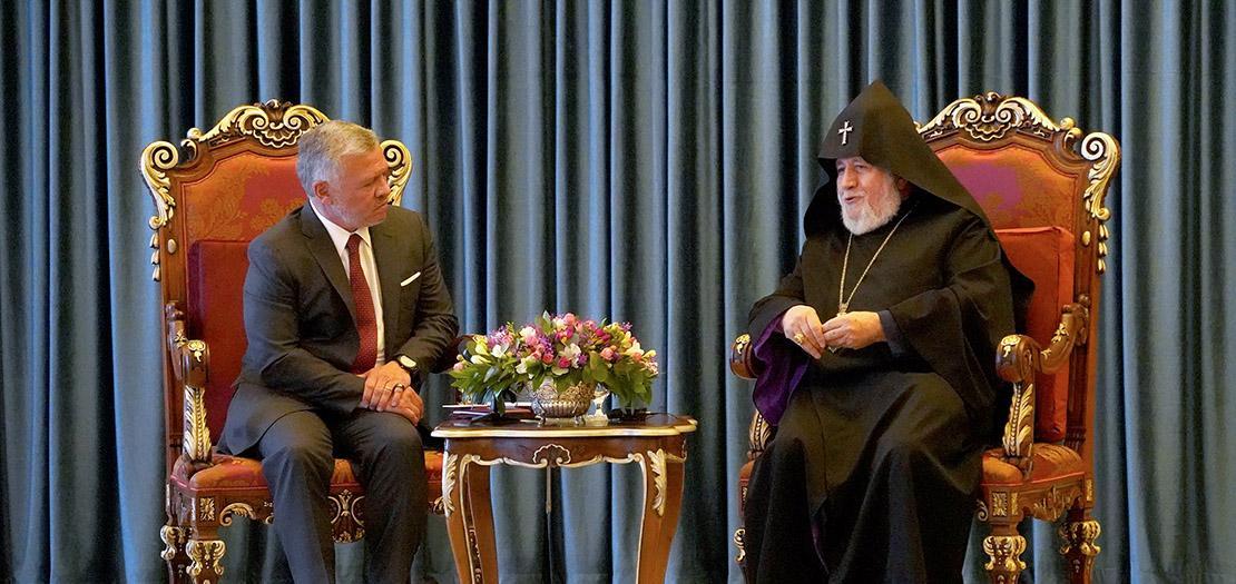 الملك يلتقي رئيس كنيسة الأرمن الأرثوذكس وكاثوليكوس عموم الأرمن كاريكين الثاني