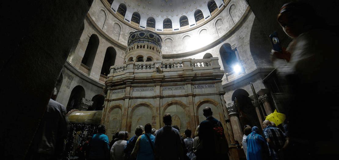 قبر الخلاص داخل كنيسة القيامة في القدس