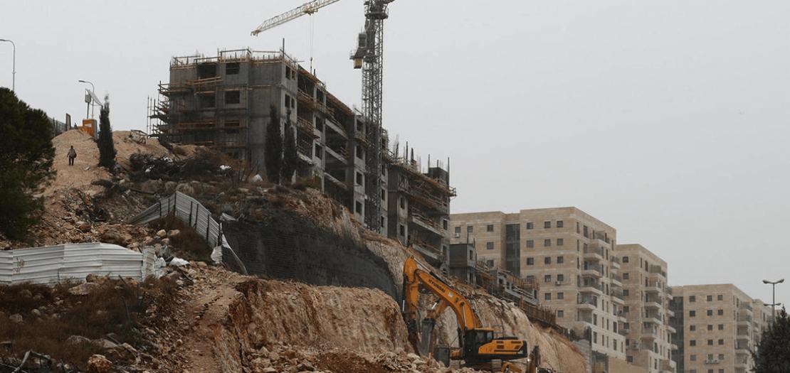 بناء وحدات سكنية في مستوطنة رامات شلومو في القدس الشرقية المحتلة في 9 كانون الأول 2019
