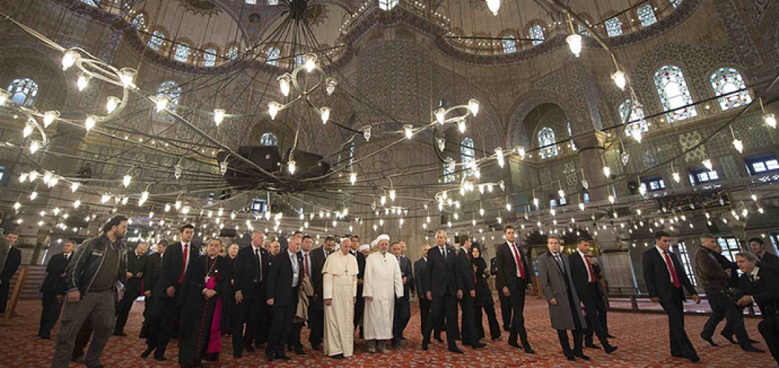 يساعد تقدير واحترام أتباع الأديان لبعضهم البعض، وتعاونهم المشترك، على تمكين مجتمعاتهم من صون أماكن العبادة