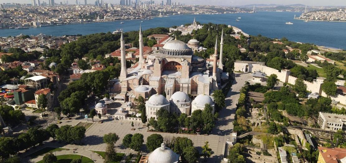 لقطة من الجو لآيا صوفيا في اسطنبول في 28 حزيران 2020
