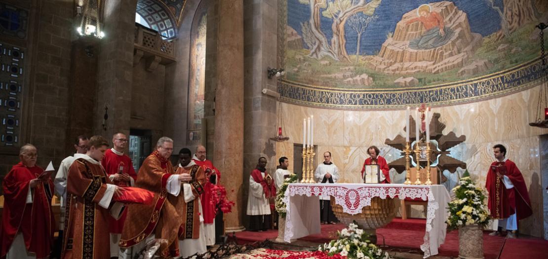 جانب من احتفال هذا العام بعيد دم المسيح الثمين في بازيليك الجسمانيّة بالقدس، 1 تموز 2020 (تصوير: نديم عصفور)