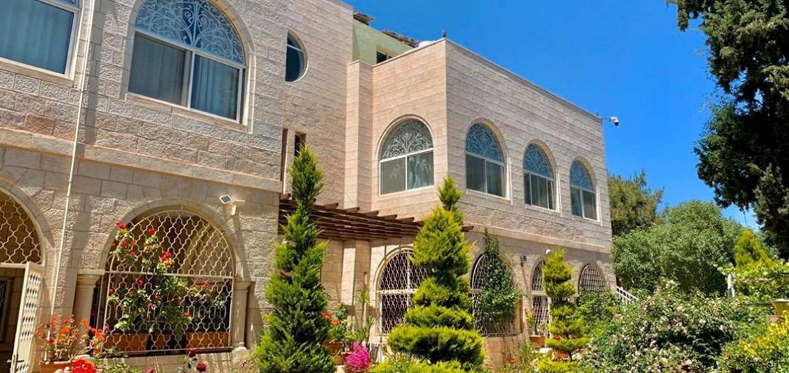دير القديس فرنسيس كسفاريوس للآباء اليسوعيين، جبل الحسين - عمّان