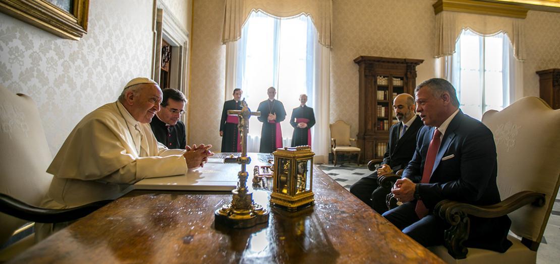 البابا فرنسيس يلتقي الملك عبدالله الثاني في الفاتيكان، كانون الأول 2017