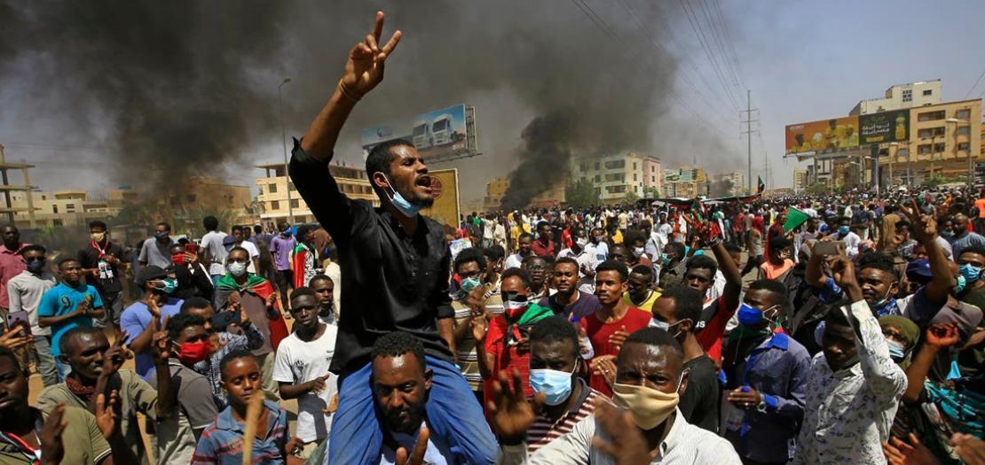 """متظاهرون في الخرطوم يطالبون بتصحيح """" مسار الثورة"""""""