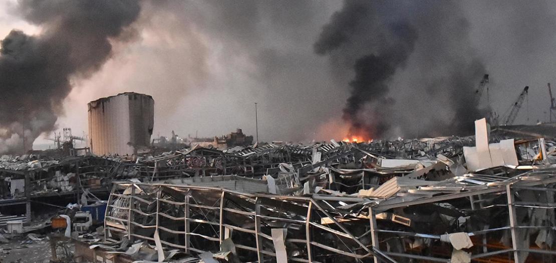 جانب من موقع الانفجار في مرفأ بيروت في 4 آب 2020