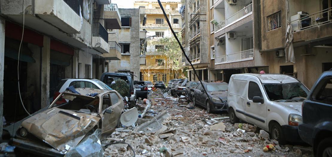 جانب من الدمار الكبير الذي طاول حي مار مخايل في بيروت بعد الانفجار في المرفأ، 5 آب 2020