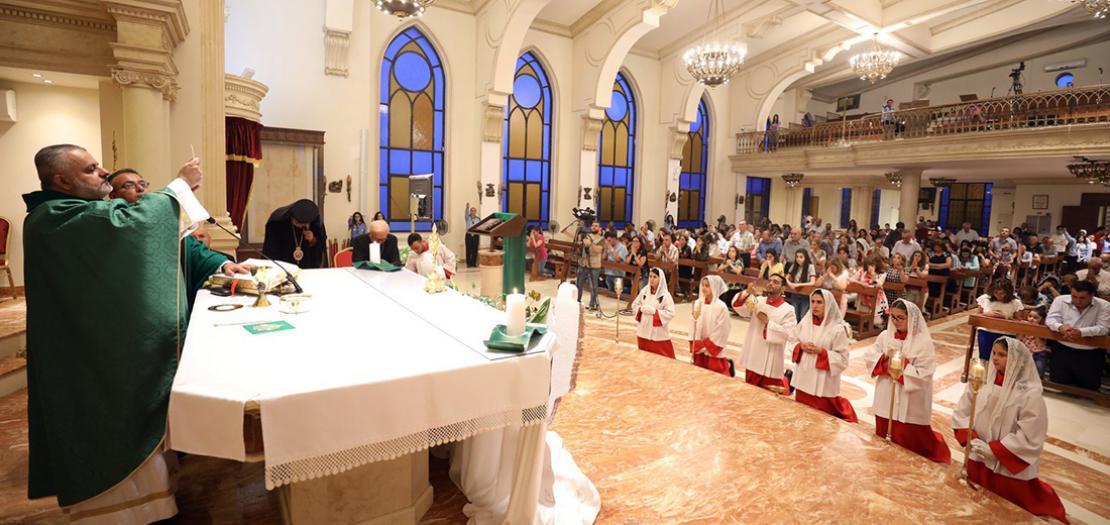 جانب من قداس بدء الرسالة في كنيسة قلب يسوع الأقدس للاتين - تلاع العلي (تصوير: أسامة طوباسي/أبونا)