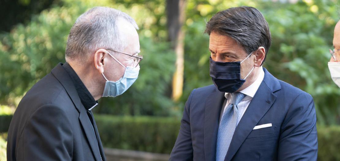 الكاردينال بارولين ورئيس وزراء إيطاليا جوزيبي كونتي