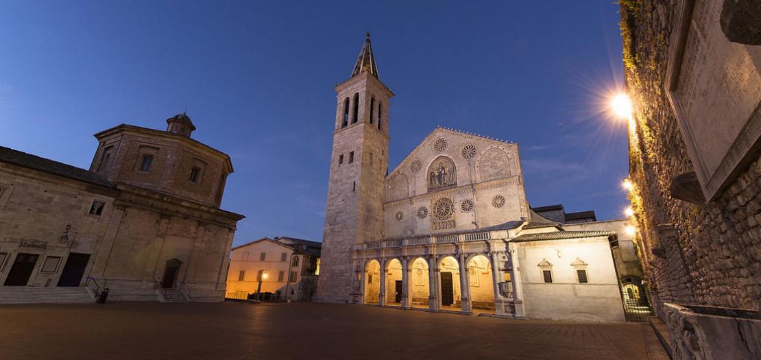 كنيسة مدينة سبوليتو الإيطالية