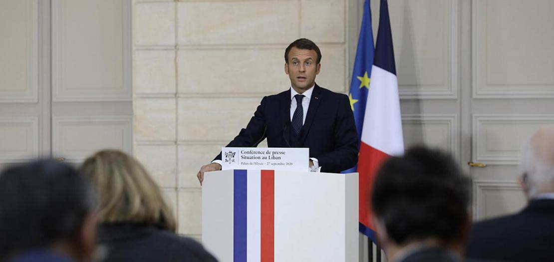 الرئيس الفرنسي يتحدث الى صحافيين لبنانيين افتراضيا خلال مؤتمره الصحافي من باريس، 27 ايلول 2020