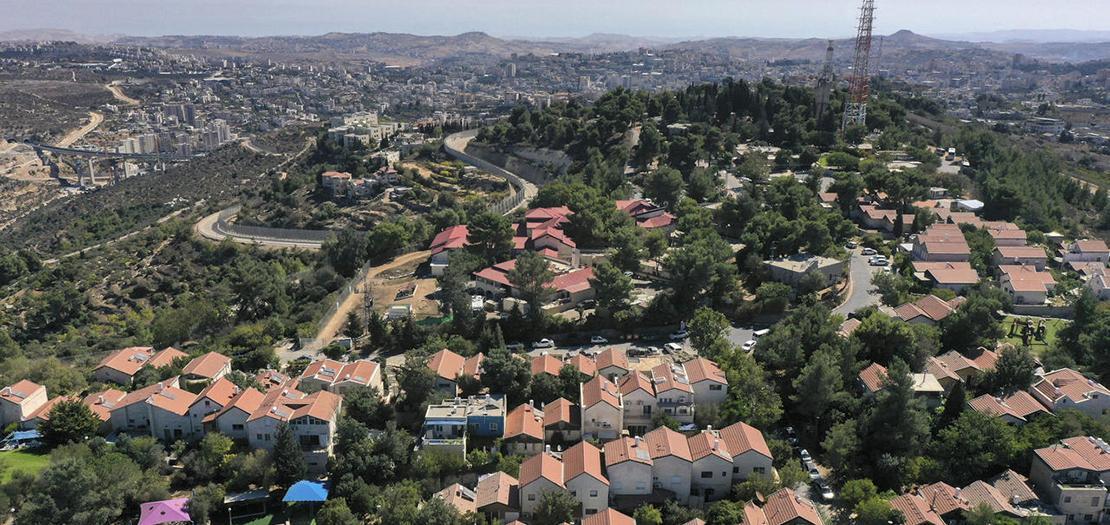 مستوطنة هار جيلو جنوب الضفة الغربية المحتلة بين القدس وبيت لحم، كما وتظهر القدس في خلفية الصورة