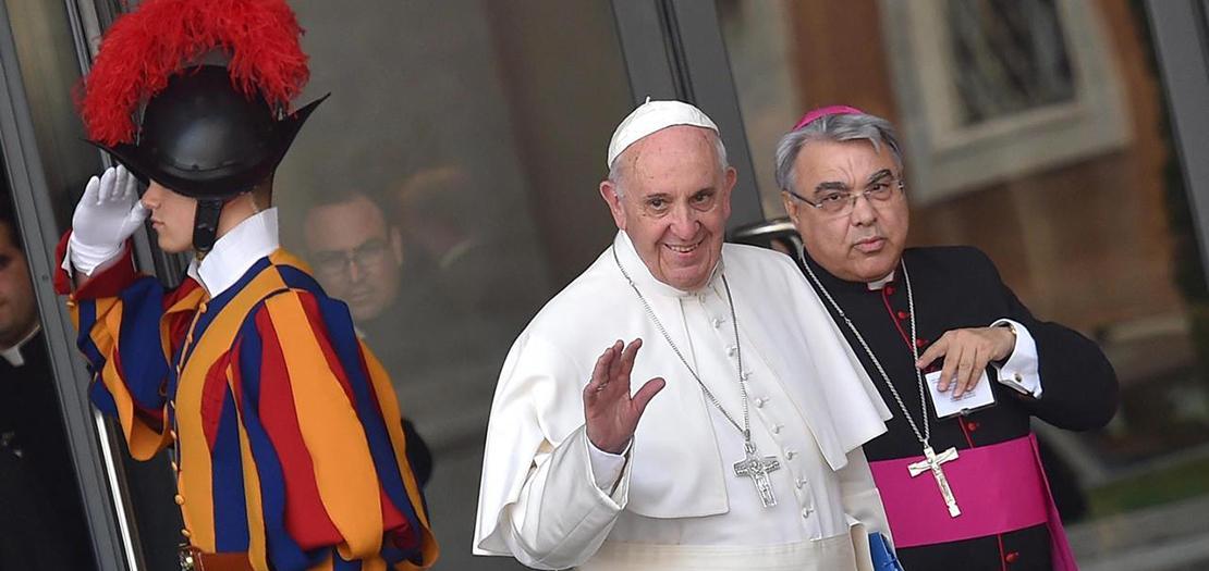 البابا فرنسيس والمطران مارتشيلو سيميرارو