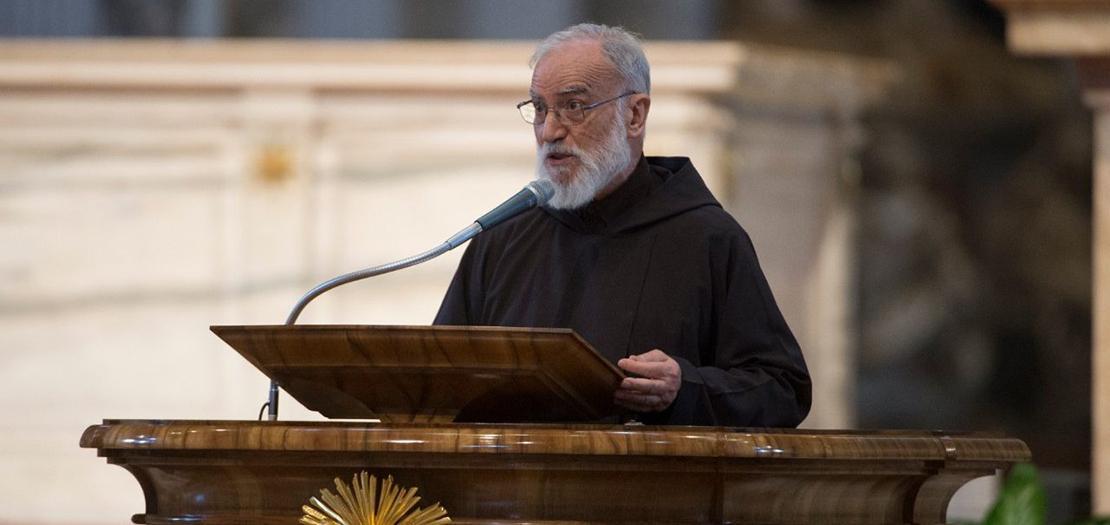 الأب رانييرو كانتالاميسا، واعظ الكرسي الرسولي