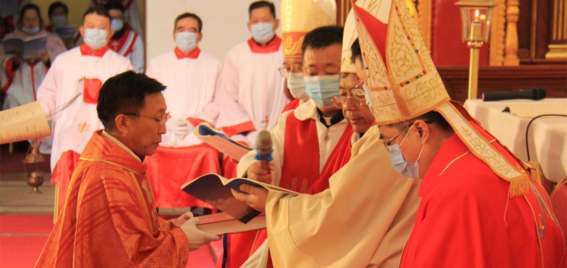 توماس تشين تيانهاو، هو الاسقف الجديد الذي سيقود أبرشية تشينغداو