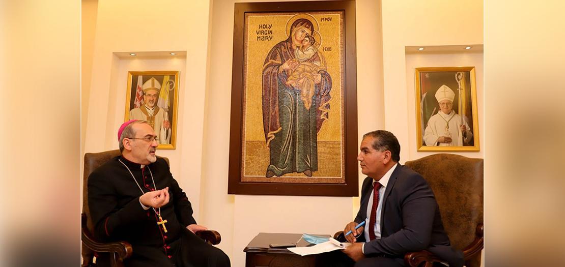 الزميل صالح الخوالدة، من وكالة الأنباء الأردنية (بترا) محاورًا البطريرك بيتسابالا