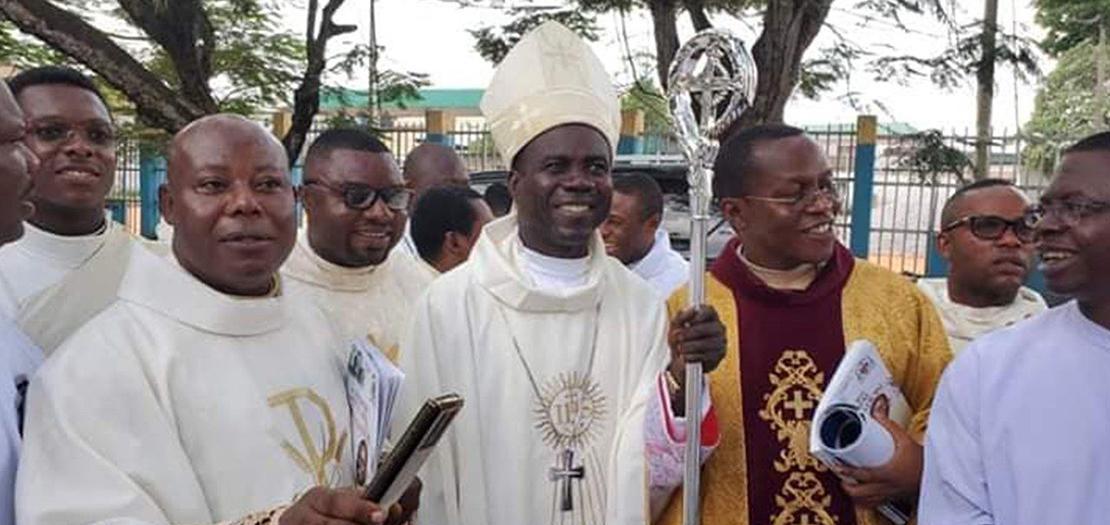 المطران موسى شيكويه، الأسقف المساعد لأبرشية أويري، جنوب شرق نيجيريا