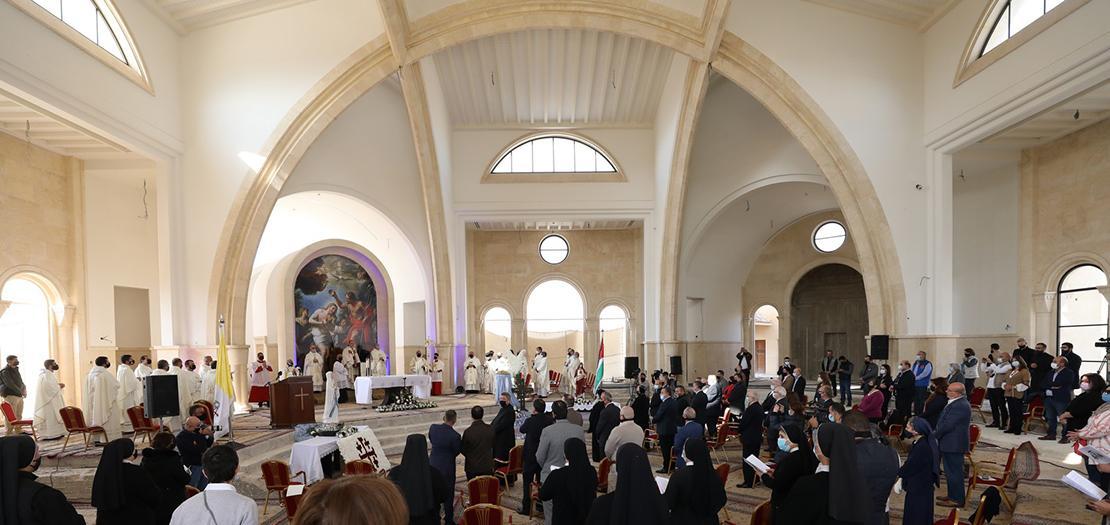 جانب من قداس 'معمودية الرب' في كنيسة المعمودية