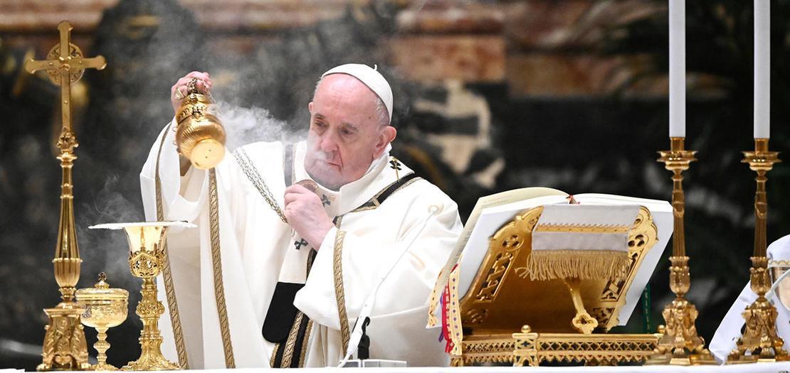 البابا فرنسيس في كاتدرائية القديس بطرس في الفاتيكان، 24 كانون الأول 2020