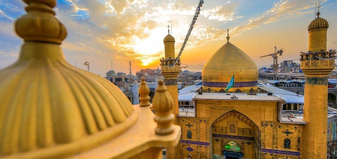 مدينة النجف إحدى أبرز مدن العراق ومركز محافظة النجف، تقع إلى الجنوب الغربي للعاصمة بغداد، وتعتبر مركزًا للحوزة العلمية الشيعية في العراق