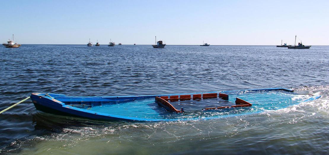 مركب مهاجرين يتم سحبه قبالة السواحل التونسية في 13 تشرين الأول 2020