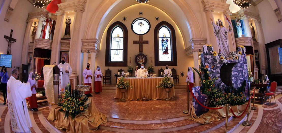 قداس سبت النور 2021 في كنيسة قلب يسوع – تلاع العلي (تصوير محمد ابو غوش)