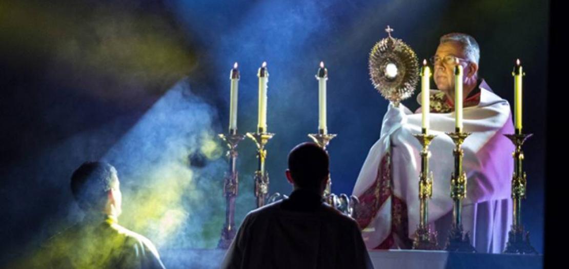 """تأمل بمناسبة عيد جسد الرّبّ يسوع ودمه """"سر القربان المُقدّس"""""""