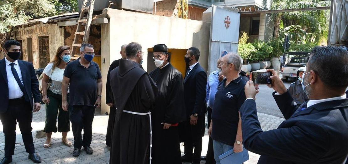 البطريرك الراعي في زيارة تفقدية لدير الآباء الفرنسيسكان عقب إنفجار المرفأ، 26 آب 2020