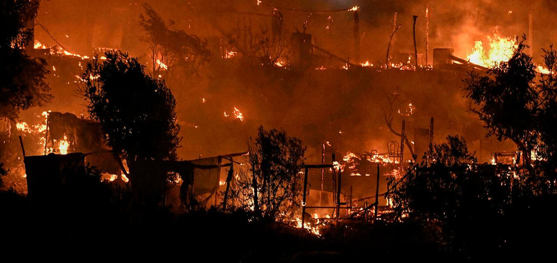 حريق مندلع في قسم مخيم فاثي للمهاجرين وطالبي اللجوء في 19 أيلول 2021